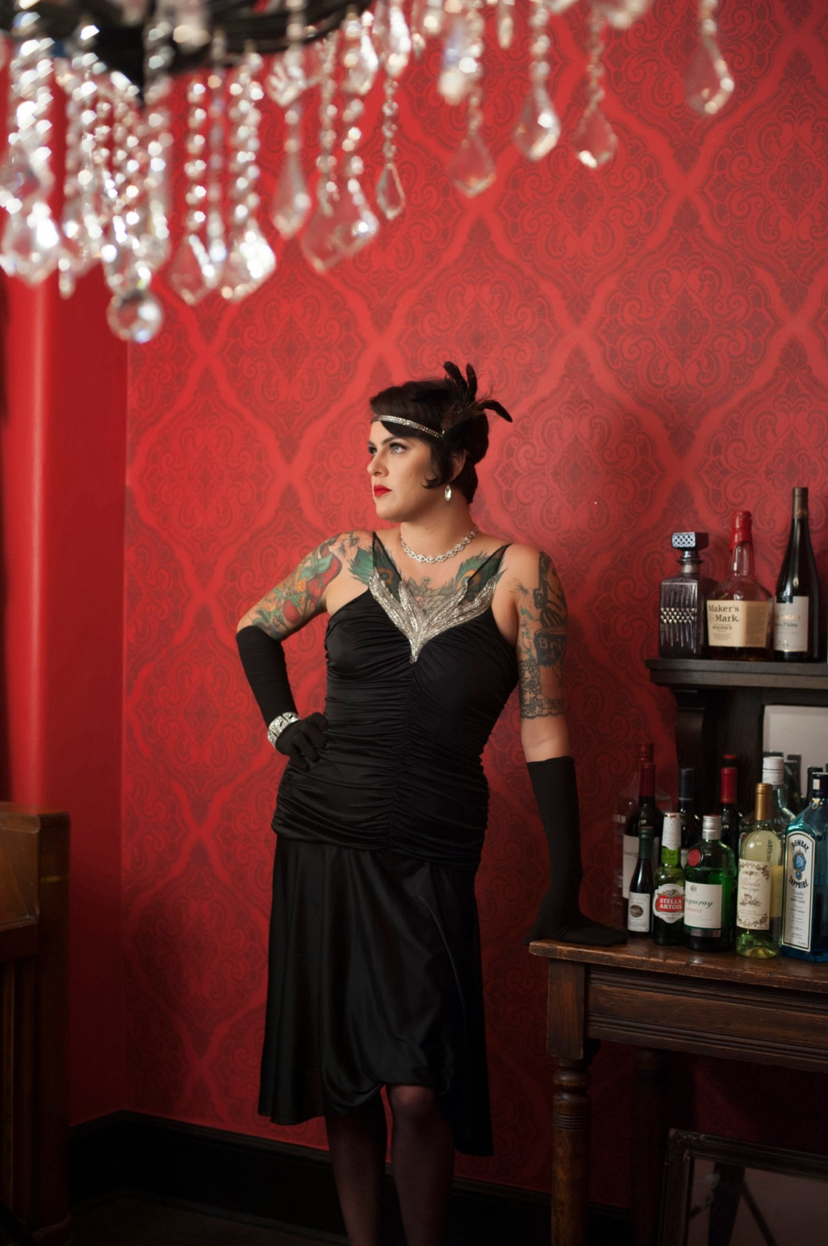 Jesse Hyde of Hot Tomato rockin' her 20's look.