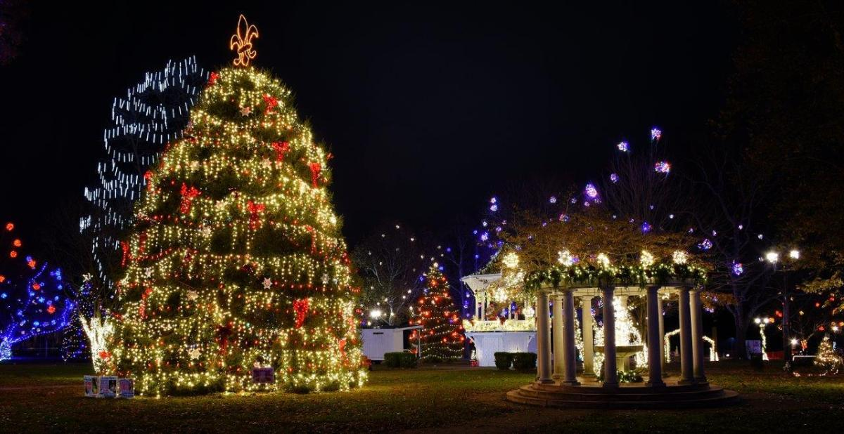 Gallipolis In Lights photographed by Gary Coleman