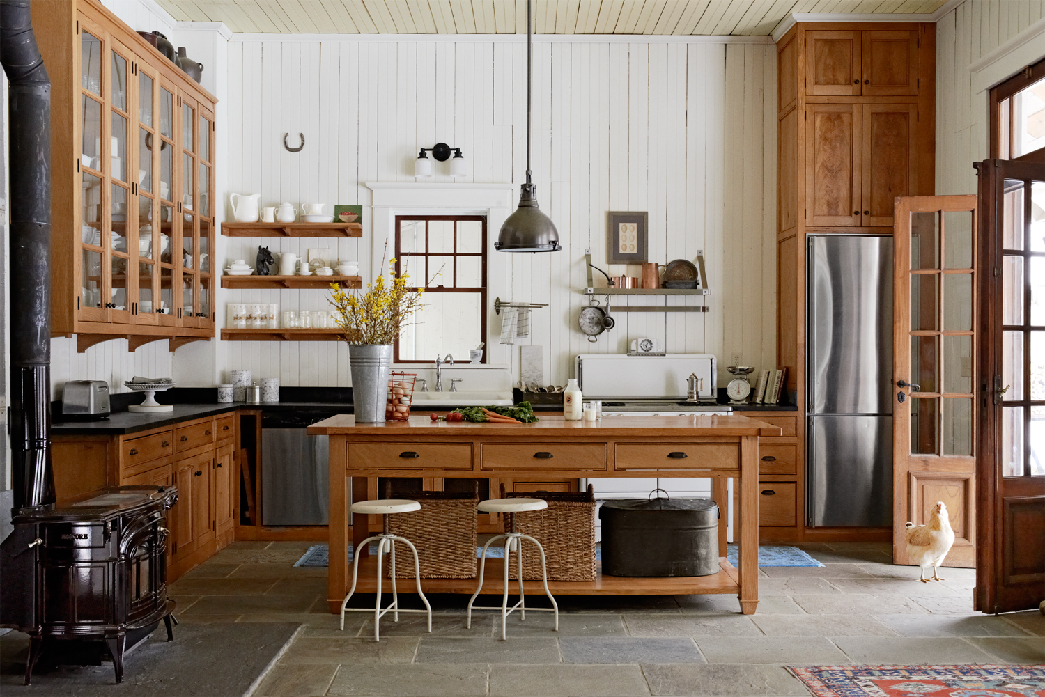 8 Ways To Add Authentic Farmhouse Style To Your Kitchen