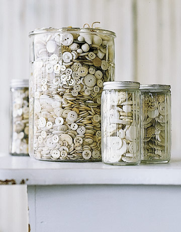Country Living: Small findings can lack impact on their own. Group like ones together, however, and they become memorable. Buttons – inexpensive to assemble en masse – impart rich texture and tone.