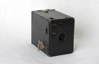 "Kodak ""Brownie Camera "" (1900) (Donated by Beer Family)"