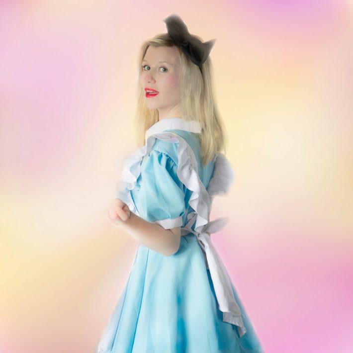 Alice - Poppies Parties