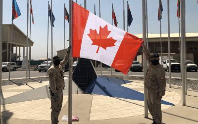 Changement de drapeau – Aéroport international Hamid Karzai, Kaboul Afghanistan