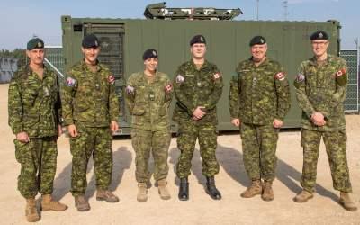 Promotions et mentions élogieuses: Escadron SCI en Lettonie