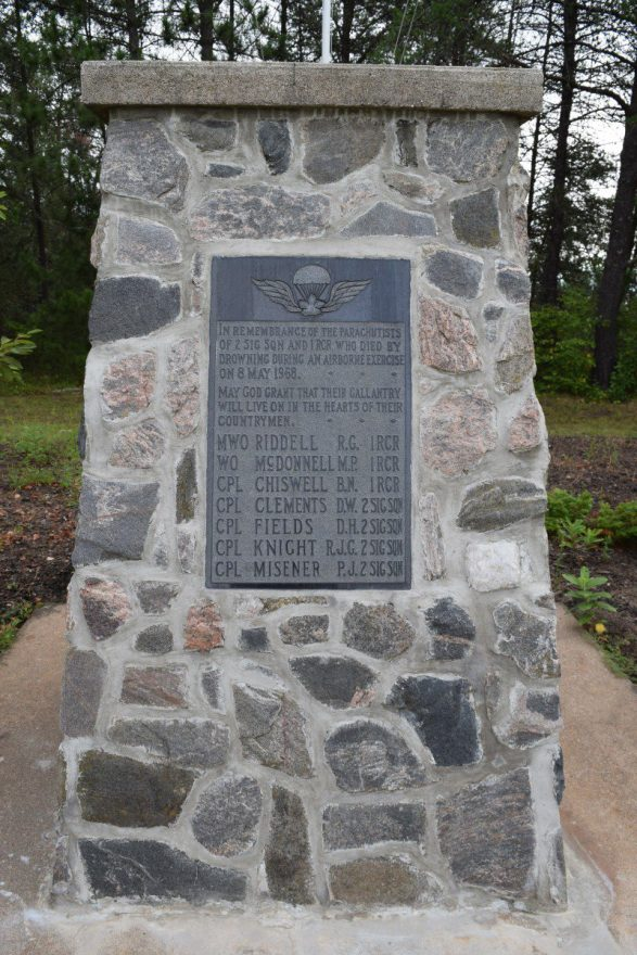 Memorial Cairn - 8 May 1968 2 Airborne Signal Troop