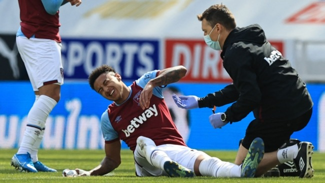 Jesse Lingard receives treatment at Newcastle