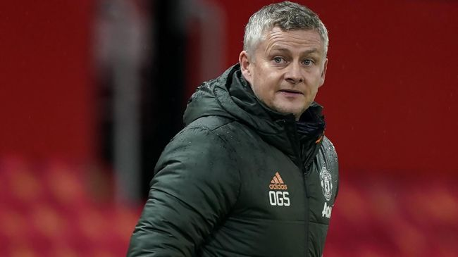 Ole Gunnar Solskjaer will hope Manchester United can leave Granada with a positive result this evening