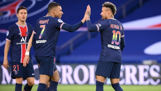 Kylian Mbappe (left) and Neymar celebrate during PSG's win over Reims
