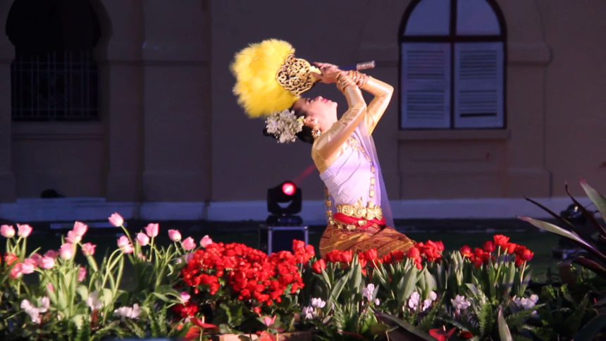 ChiangRaiASEANFlowerFestival2016Photo2.png