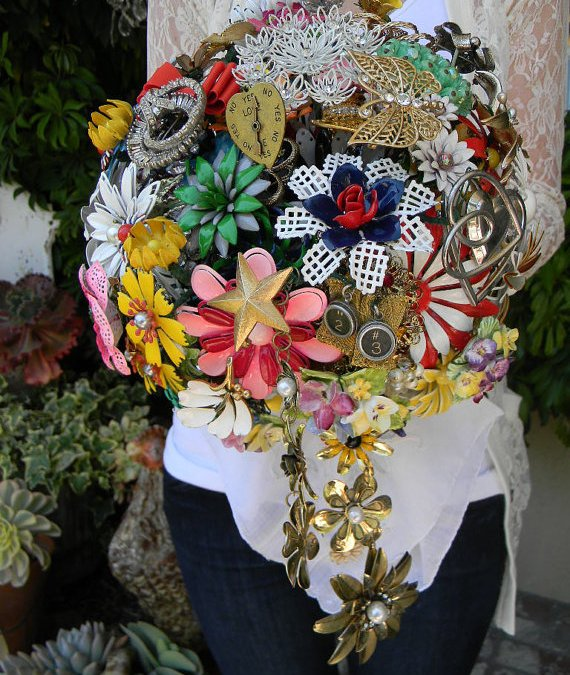 The best 33 brooches bouquet wedding in the world