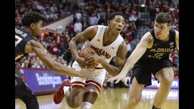 Green spurs late run to send Indiana past No. 17 Florida St