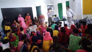 Photo of माहवारी स्वच्छता और एनीमिया के बारे में प्रशिक्षित की गयीं किशोरियां