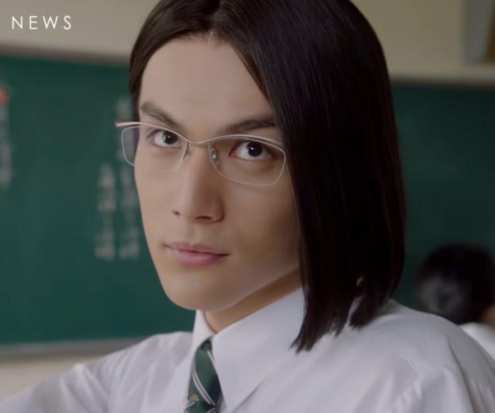 こますぎくんは誰 Auのcm俳優の髪型がキモいが大きい顔が可愛い 令和のcm図鑑