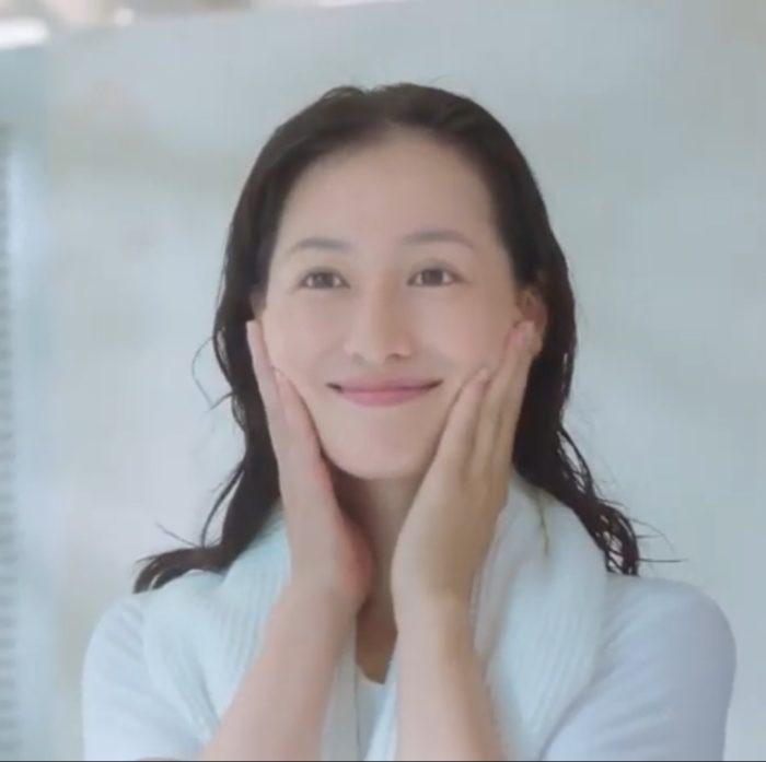 石川紗彩 ドモホルンリンクル CM