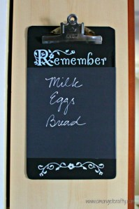 Crafty Quickie: DIY Chalkboard Clipboard