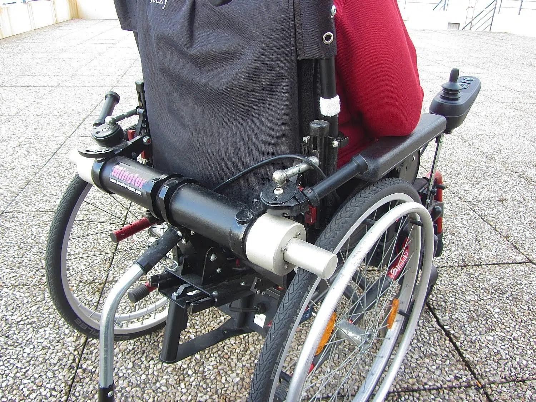 un fauteuil roulant tres leger meme avec l installation d un moteur fauteuil roulant benoit systeme vous souhaitez equiper votre fauteuil roulant