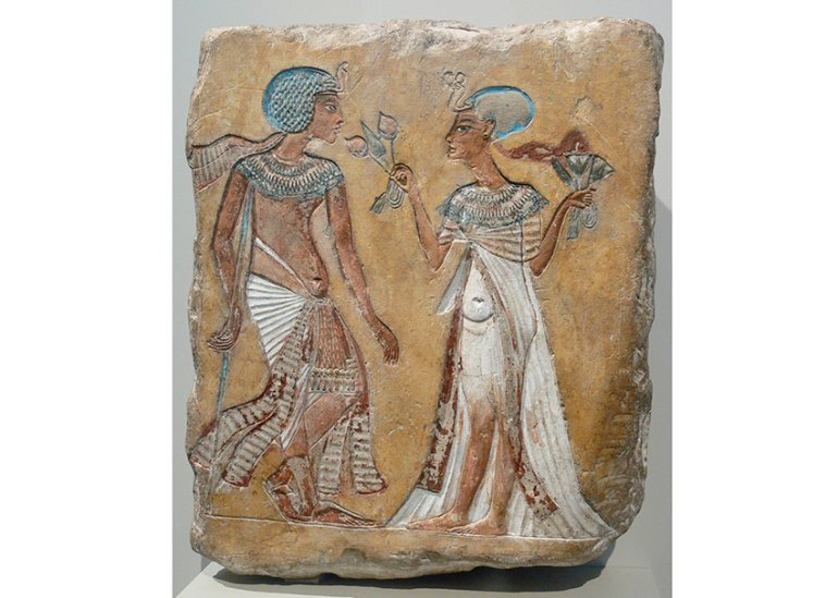 A relief of a royal couple in the Amarna-period style