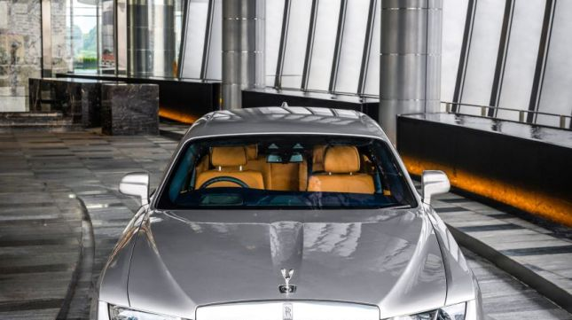 Rolls-Royce Ghost 2021 launched in Malaysia, priced at 350,000 USD 2021-rolls-royce-ghost-launch-malaysia-9-850x1275.jpg