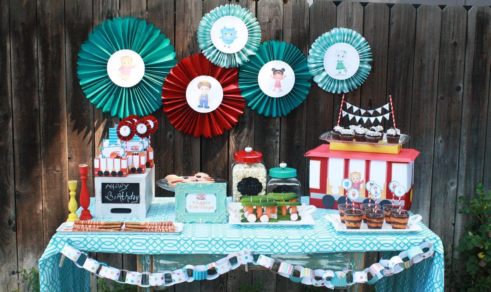 Daniel Tiger Birthday Party Birthday Party Pbs Kids For Parents