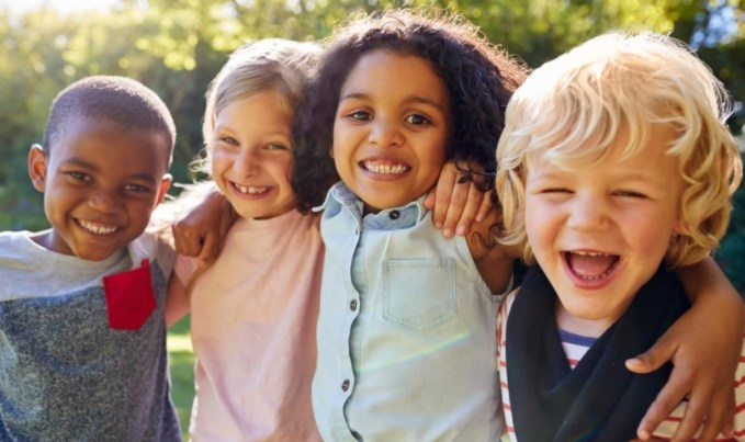 helping-young-children-learn-to-make-friends-hero.jpg (830×493)