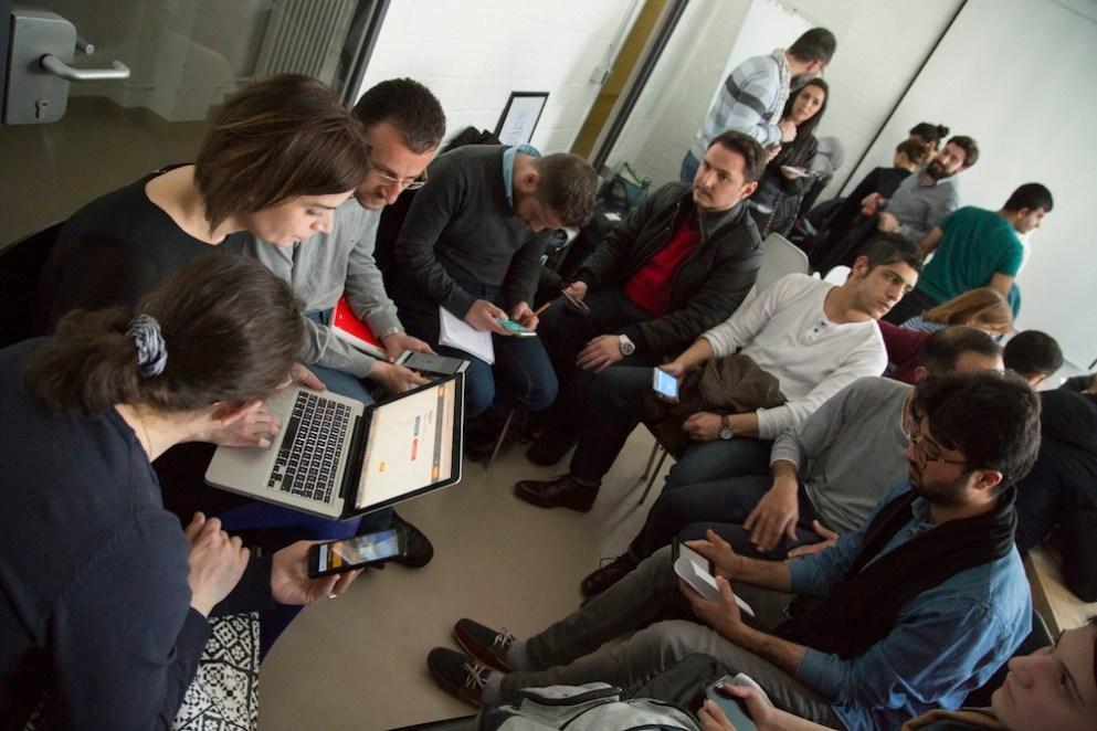 Geflüchtete lernen Deutsch fürs tägliche Leben – mit SINGA Sprachcafé und Babbel