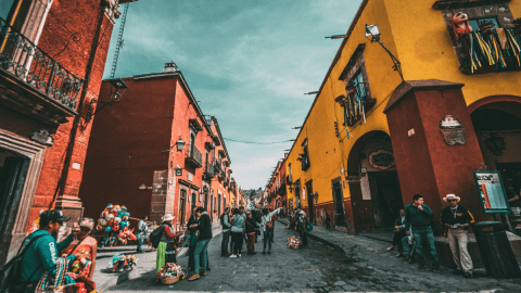 Mexican Vacation Cheat Sheet: 20 Spanish Phrases To Know