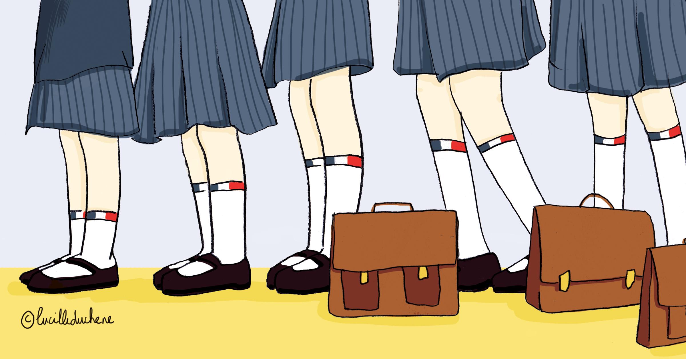 1880, 6e des dates de l'histoire du français - des écolières en uniforme sont alignées dans le couloir