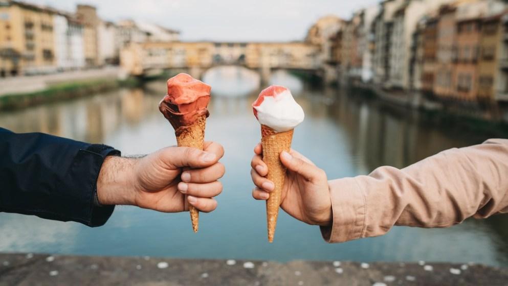 Gelato et cornets vanille-fraise : découvrez notre guide de la glace italienne