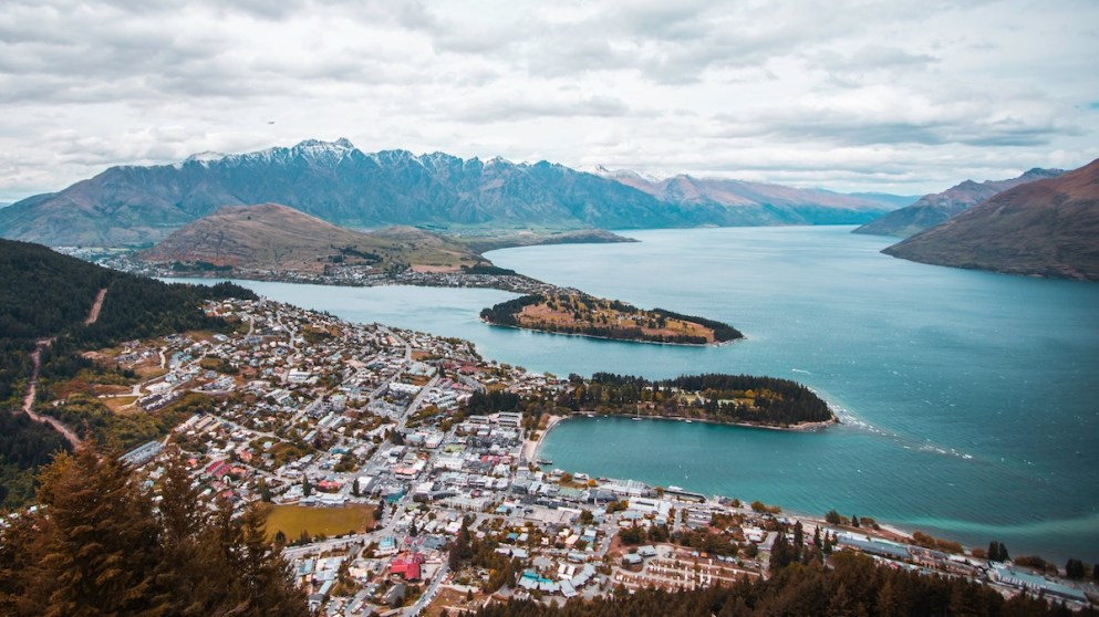 10 New Zealand English Phrases You Can't Bugger Up, Eh?