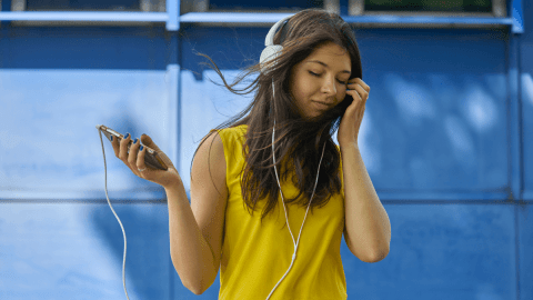 5 Spotify Playlists To Listen To If You're Learning German