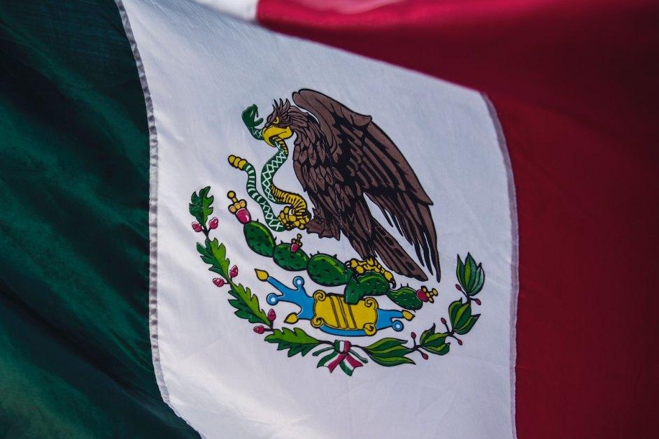 Le drapeau mexicain fait référence à la mythologie aztèque