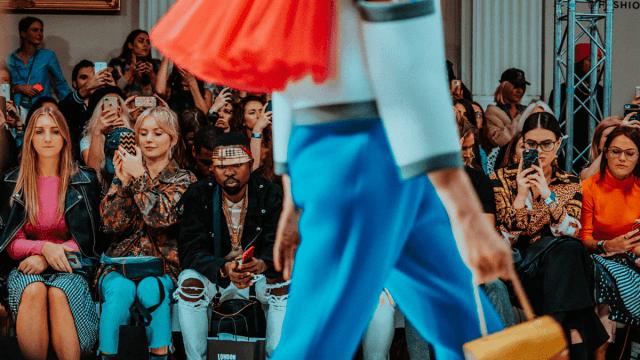 Fashion Week : quand les pronoms indéfinis anglais s'invitent dans le monde de la mode