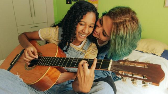 Fête de la Musique : 6 chansons pour apprendre l'espagnol 🎺