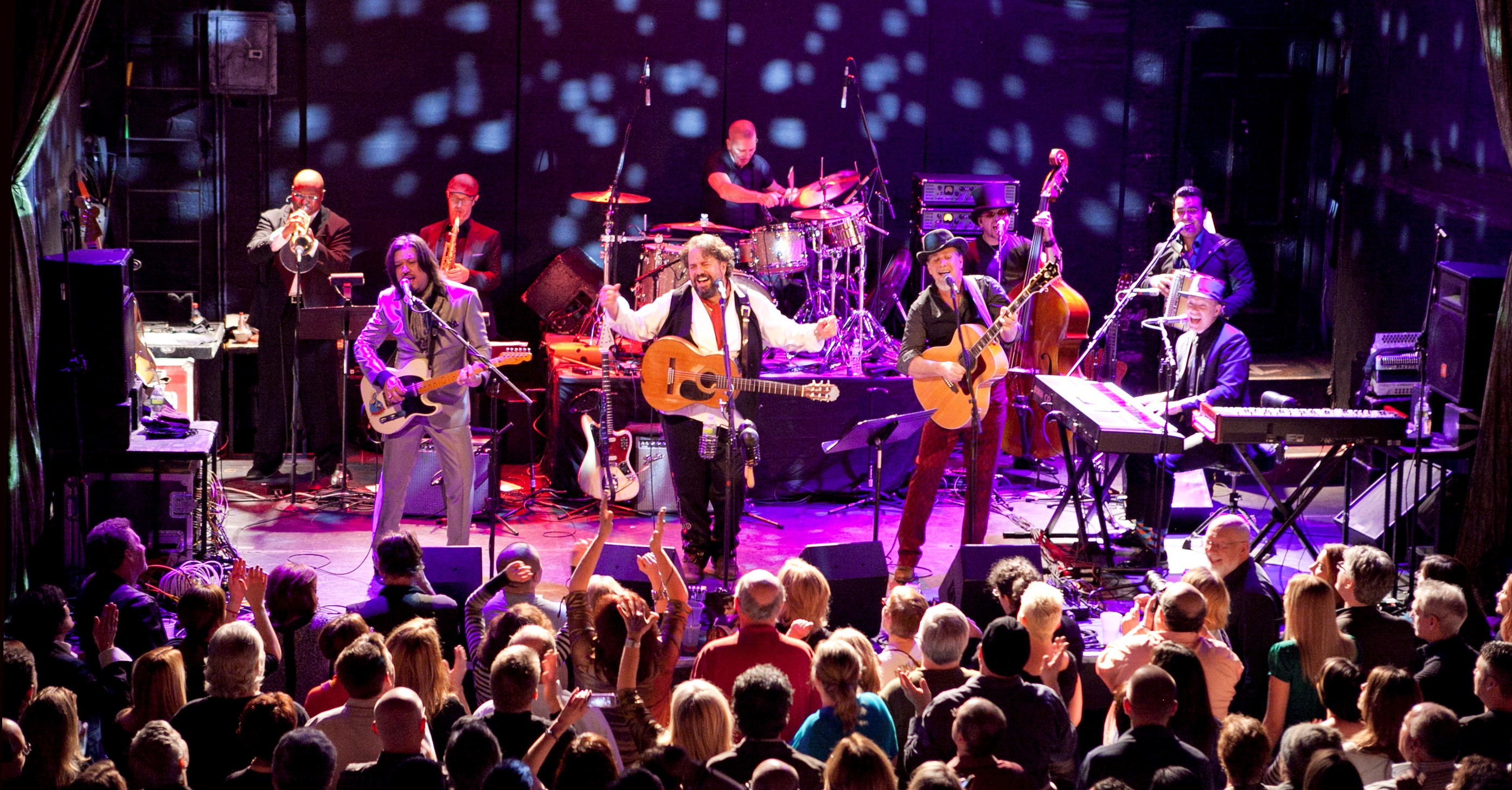 American Country Legends The Mavericks Electrify Crowd At