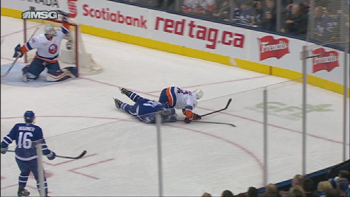 Recap Barzal S Hat Trick Leads Isles 4 0 Shutout Over Leafs