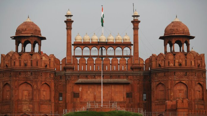 Red Fort Dalmia: Should private companies manage India's historic monuments?  — Quartz India