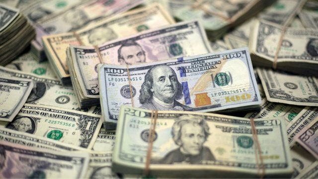 Why is the US dollar so strong? — Quartz