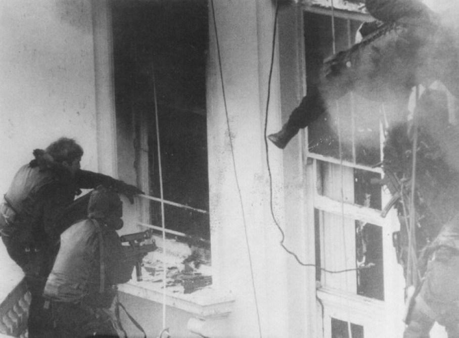 SAS entering the Iranian Embassy