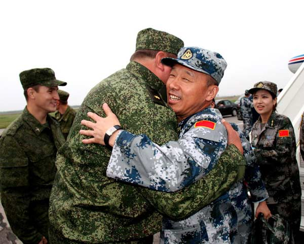China-russia-hug