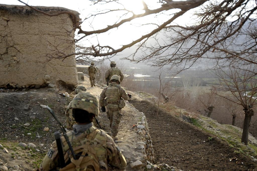 Reaper team on patrol in Afghanistan, courtesy of AF.mil