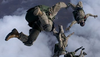 Delta Operator Faces Free-Fall Malfunction at 17,000 Feet