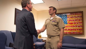 Navy SEAL struggles to step into limelight of Medal of Honor