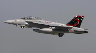 """Two Growler Squadrons Receive Navy's """"Battle E"""" Award!"""