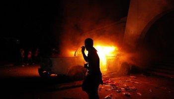 Marine vet confronts Bill Clinton about Benghazi