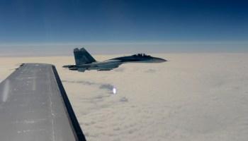 DoD: Su-27 Barrel Rolls Over RC-135