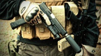 Days of Guns: A Navy SEALs Glock 34