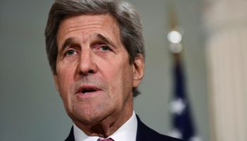 Kerry urges Assad regime to quit bombing contested Aleppo
