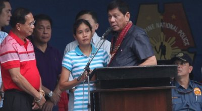 Freed hostage in Philippines says extremists rejoiced over beheadings