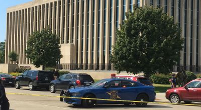 Two bailiffs, gunman dead in shooting at Michigan courthouse