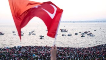 Turkey Issues a Warrant for Fethullah Gulen, Cleric Accused in Coup
